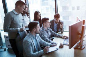 Mitarbeiterentwicklungs Gespräche - MyConsult | nd3000 - iStock by Getty Images
